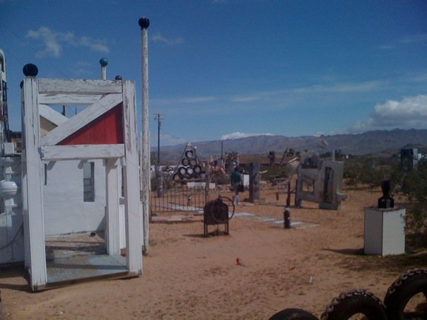 Noah_Purifoy_Outdoor_Art_Museum